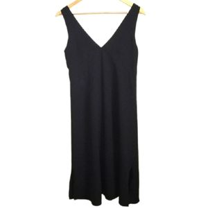 ARITZIA Black V Neck Sleeveles Lightweigth Dress